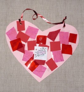 Read more about the article Valentine craft: collage heart