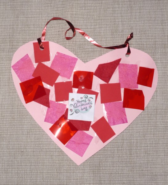 You are currently viewing Valentine craft: collage heart