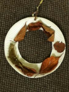paper plate autumn wreath