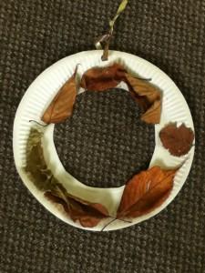 paper plate autumn wreath