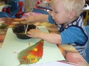 Read more about the article Autumn leaf painting
