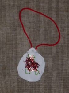 homemade bauble easy Christmas art idea
