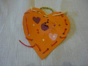 Read more about the article Valentine's Day woven paper heart