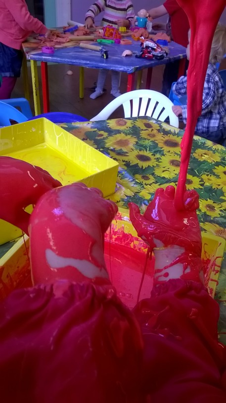 You are currently viewing Gloop-homemade play goo with cornstarch